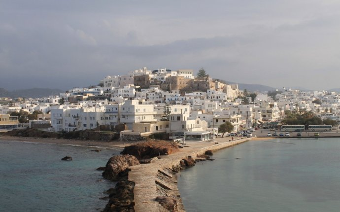 4 Reasons to Visit the Greek Islands in Winter