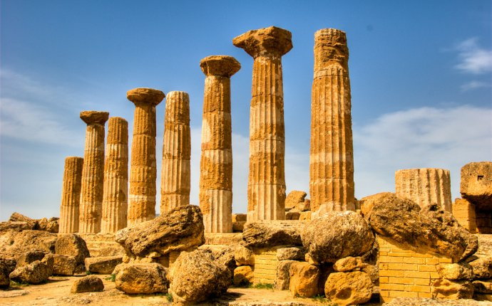 Ancient Greece and The End of the Golden Age ~ History for Kids