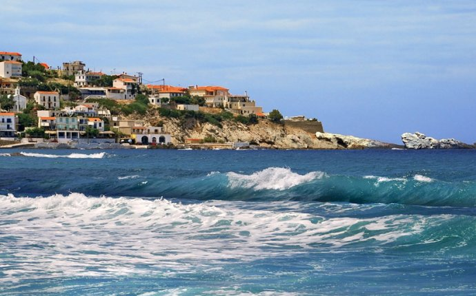 Ikaria island: Travel guide, Holiday planner - Greeka.com