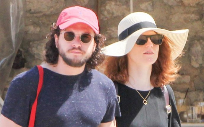 Kit Harington and Rose Leslie spotted on romantic getaway in