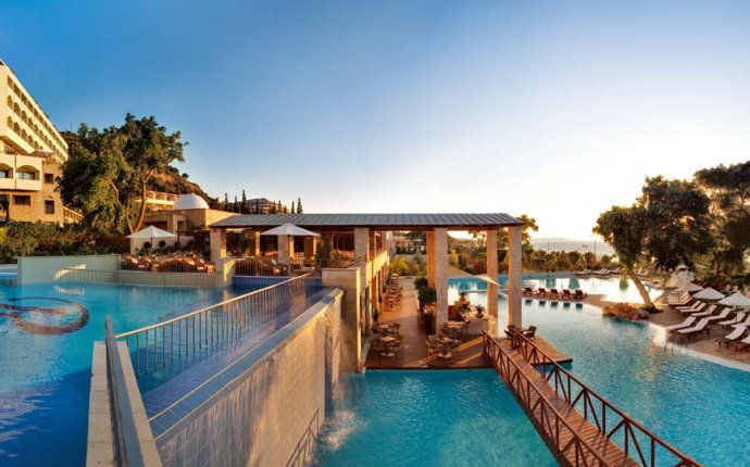 Luxury Hotel Ixia Rhodes - Beach Hotel | Amathus Beach