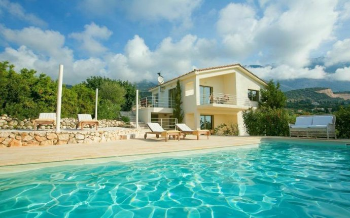 Many Greek Villas - Villas in Greece - Travel blog for Greece