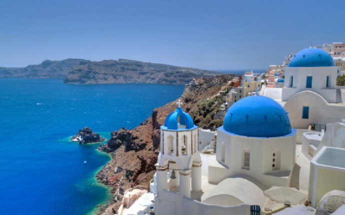 Out of all the places in the world, Santorini Greece has to be one