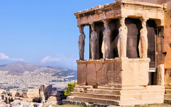 Return direct flights from Boston to Athens (Greece) for 538USD