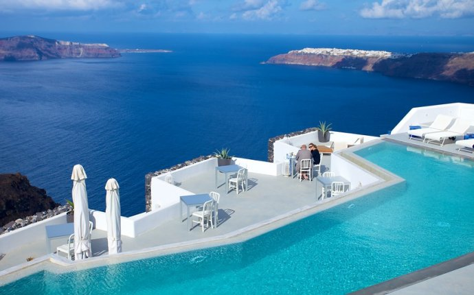 The Best Santorini Island Vacation Packages 2017: Save Up to $C590