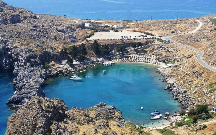 Things to do & see in Rhodes town Greece | travelpassionate.com