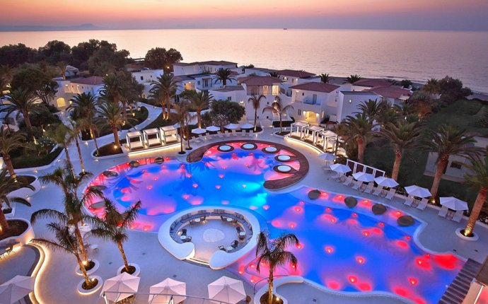 Honeymoon Resorts Greece