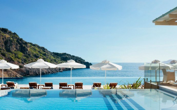 Luxury Family Resorts Greece