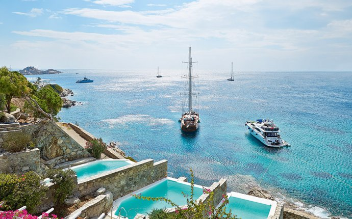 Hotels with private Pools Greece