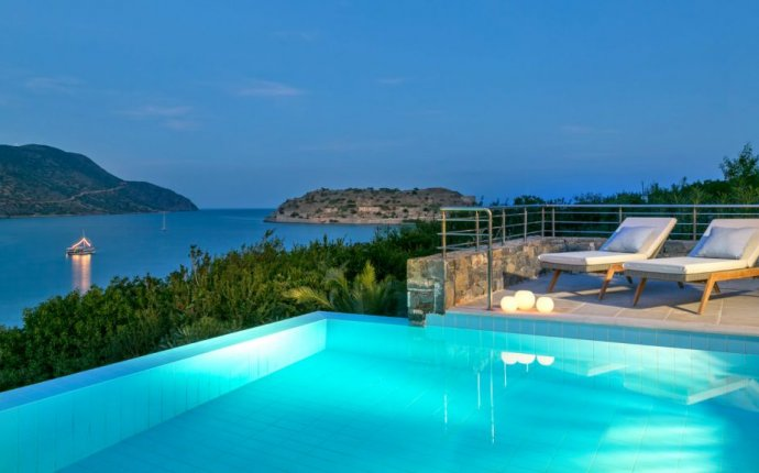 Resort Hotels in Greece